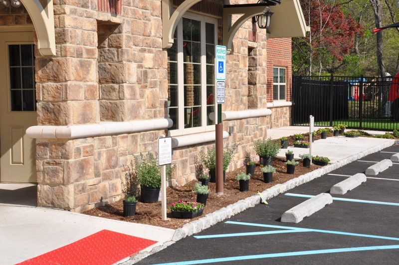 Laying Out Low Maintenance Plantings on Commercial Landscape